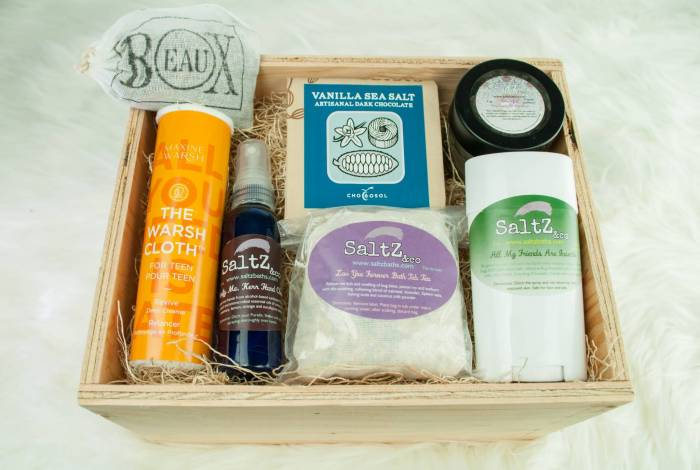 Beaux Cottage Box